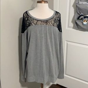 Torrid laced long sleeve shirt Size 3 EUC
